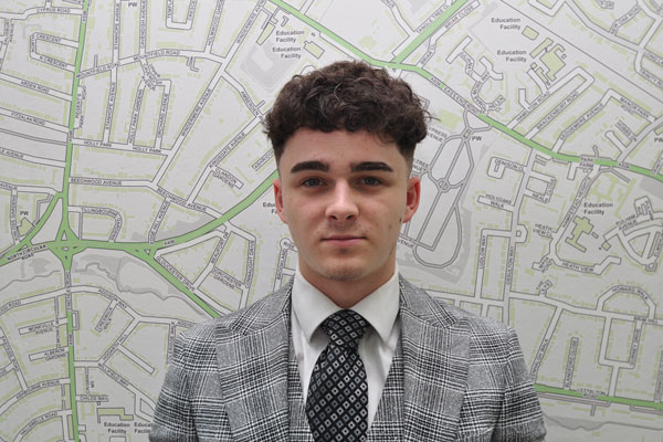 Max  Davis, Lettings Negotiator - East Finchley
